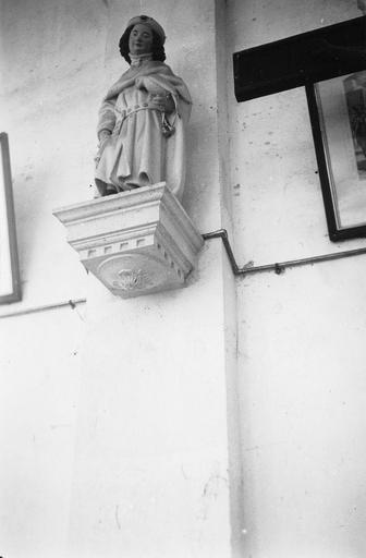 Statue : saint Thibault, pierre polychrome