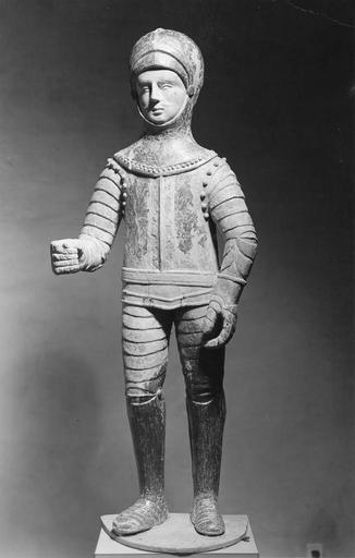Statue : saint Hippolyte, bois polychrome