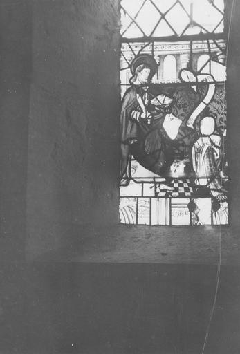 Verrière de la baie 6 : saint Barthélémy et une donatrice