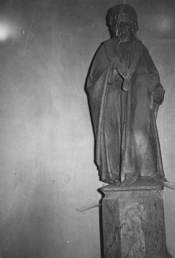 Statue : Saint Barthélémy, pierre