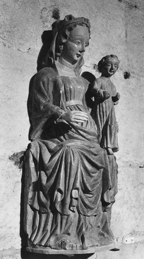 Statue : Vierge à l'Enfant en Majesté, bois de tilleul polychrome, au revers de la façade