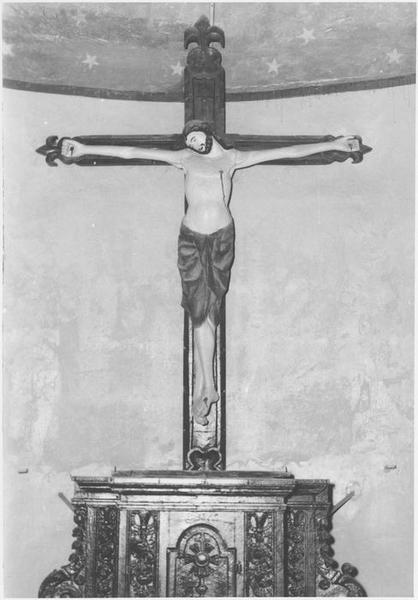 statue : Christ en croix (le), vue générale