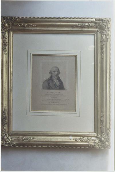 Élément d'impression (plaque de cuivre gravée), estampe et son cadre : portrait du peintre François Devosge