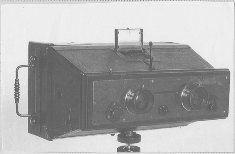 Appareil de prise de vue n°2 : appareil photographique stéréoscopique