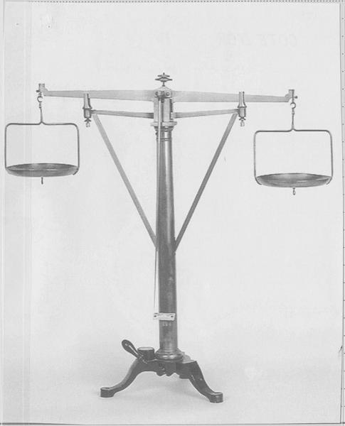 Six balances hydrostatiques
