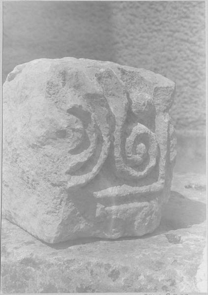 Chapiteau (fragment), vue générale
