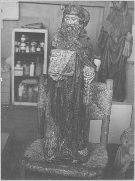 Statue : un saint abbé, vue générale