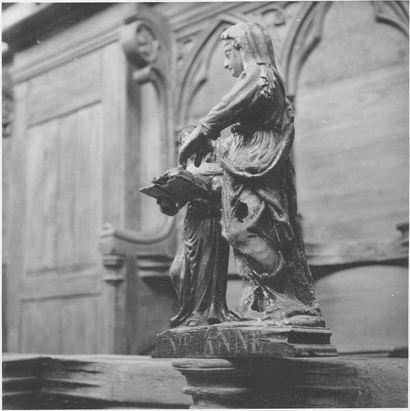 Statue : Education de la Vierge, vue générale