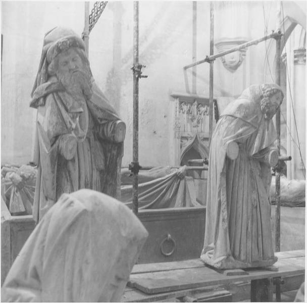 Groupe sculpté : Mise au tombeau, détail