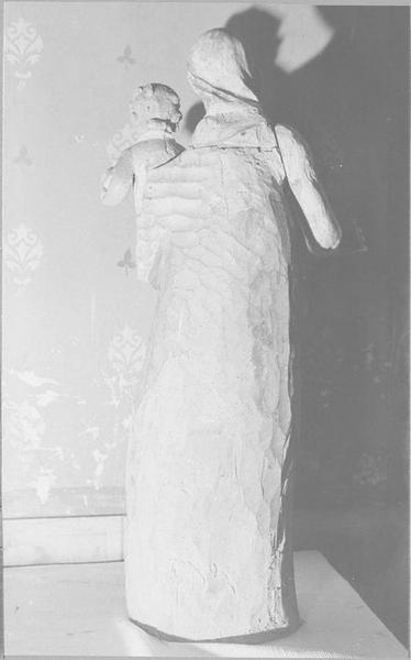 statue : Vierge à l'Enfant, vue générale de dos
