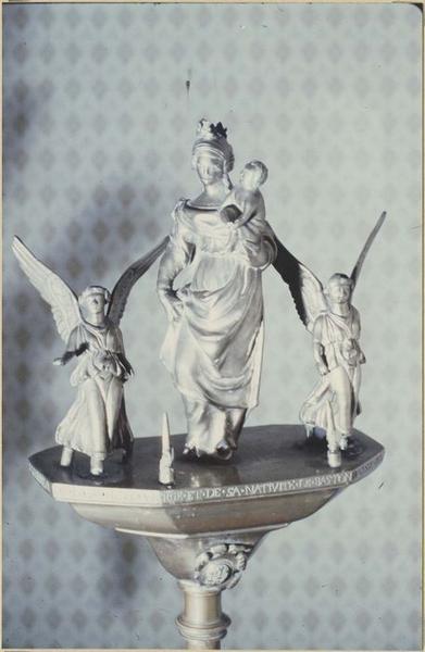 Bâton de procession : Vierge à l'Enfant et deux anges, vue générale