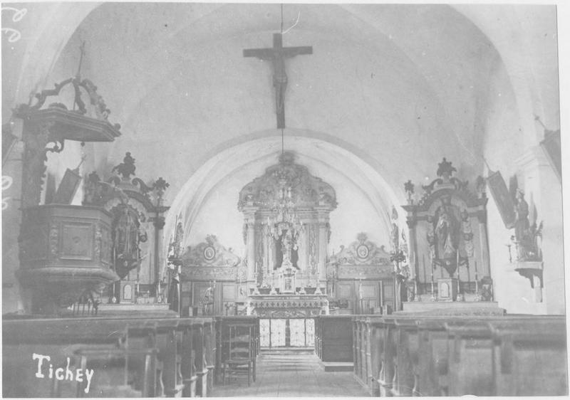 Retable du maître-autel, retables latéraux, chaire à prêcher, vue générale