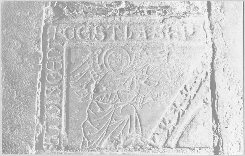 Dalle funéraire de Jean de Til-Châtel, vue générale