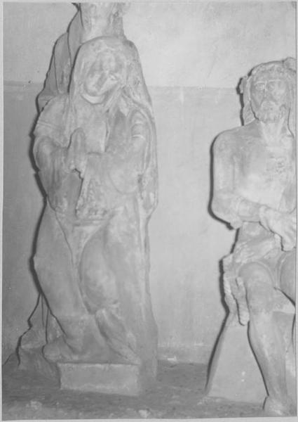 Statue : Christ aux liens; groupe sculpté: la Vierge et saint Jean, vue générale