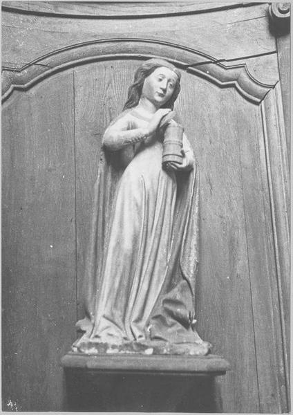 Statue : sainte Madeleine, vue générale