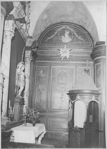 Lambris de revêtement des chapelles latérales, vue partielle