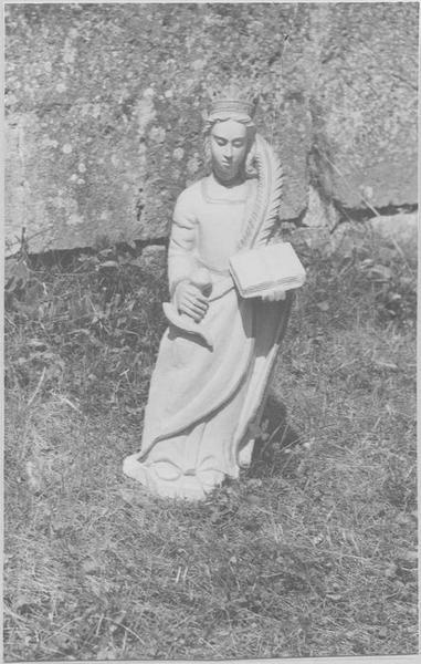 Statue : sainte Reine, vue générale