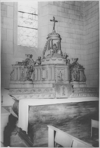 Ensemble du maître-autel : autel et tabernacle, vue générale