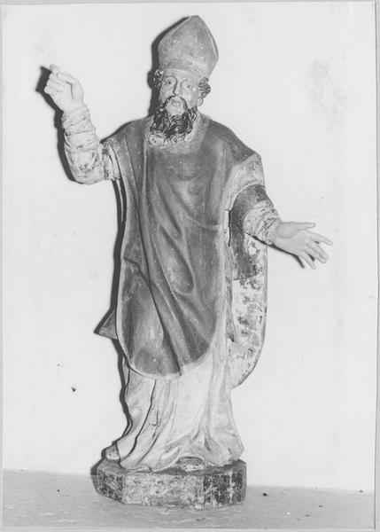 Statue : saint évêque, vue générale