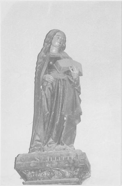 Statue : sainte Julitte, vue générale