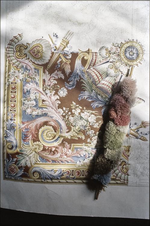 Carton de tapisserie et échantillon de fils de couleur