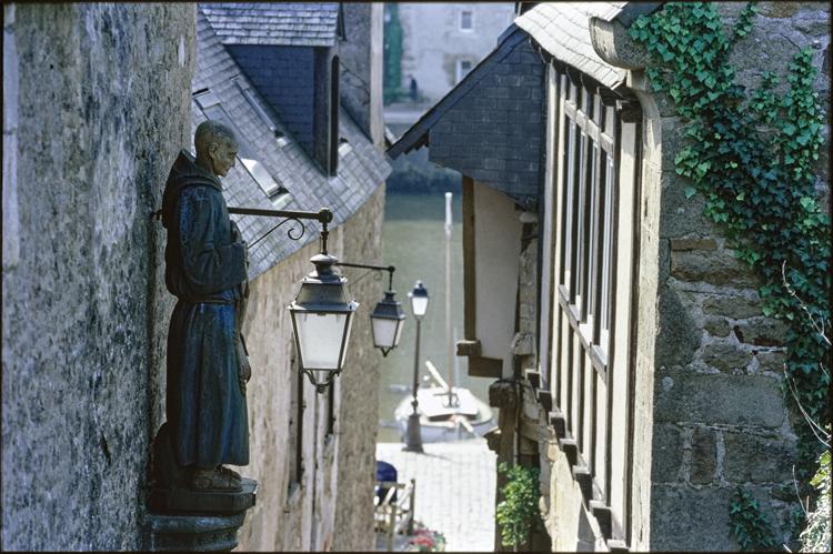 Statue de saint Goustan