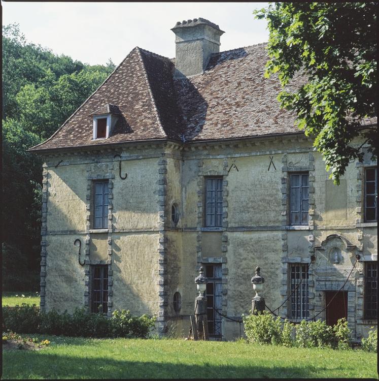 Domaine du château d'Entre-Deux-Monts