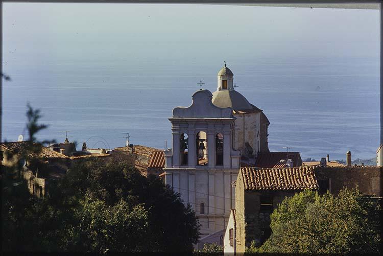 Vue générale du clocher et du dôme