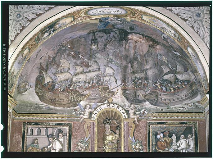 Chapelle Notre-Dame-de-Bon-Remède, chevet, partie supérieure ; peinture monumentale : Bataille de Lépante ; 1680-1685 (vue générale)
