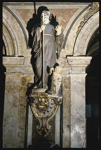 Groupe sculpté, console : Saint François-de-Paul