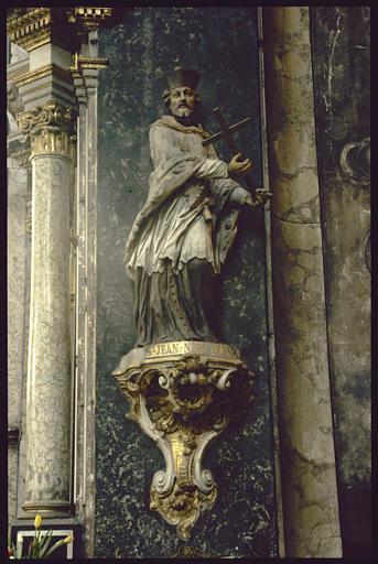 Statue sur console : Saint Jean-Népomucène
