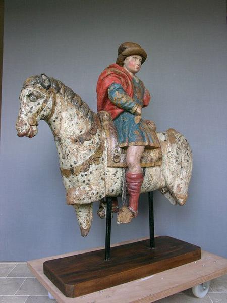 Groupe sculpté : charité de saint Martin (la), vue générale
