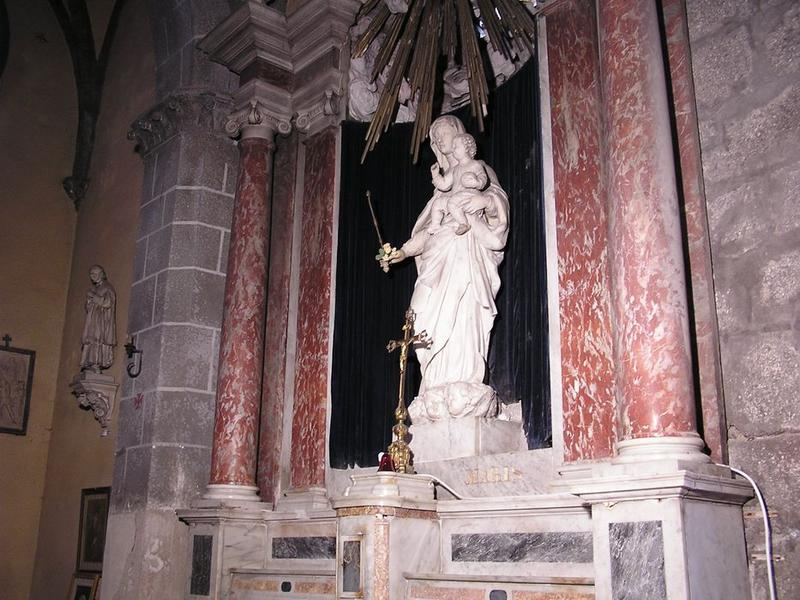 Statue : Vierge à l 'enfant, vue générale