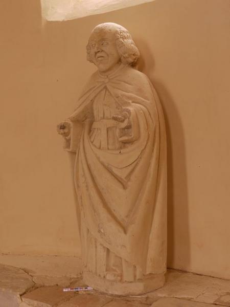 Statue: saint non identifiée, vue générale