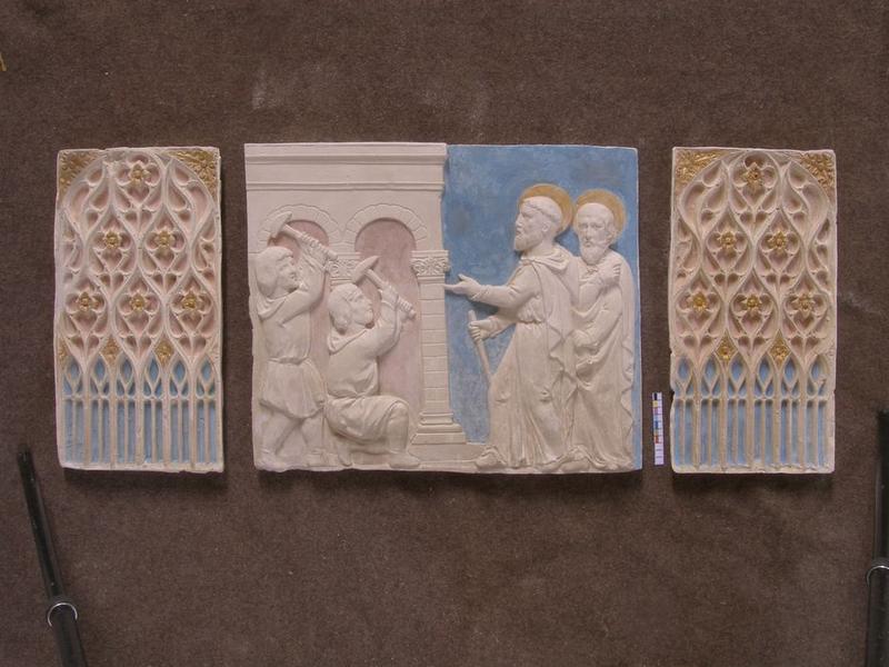 Autel secondaire sud, détail des bas-reliefs
