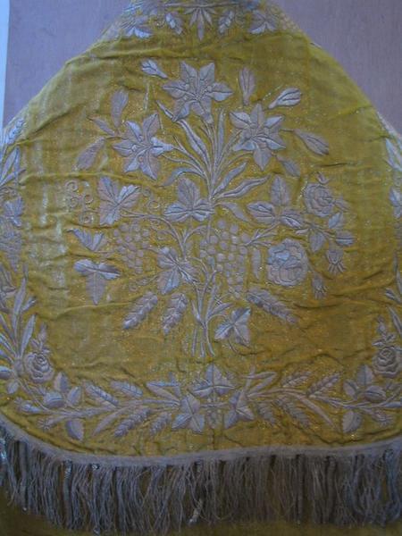 Chape (ornement jaune), détail
