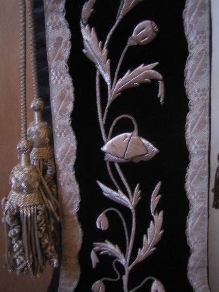 Étole (ornement noir), détail