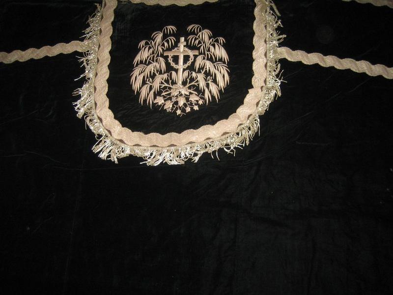 Chape (ornement noir), détail