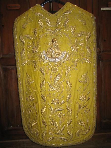 Chasuble (ornement jaune), vue générale