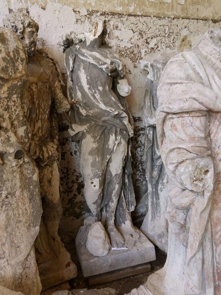 Statue (fragment): saint Jean, vue générale