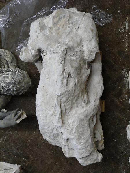Statue(fragment non identifié), vue générale