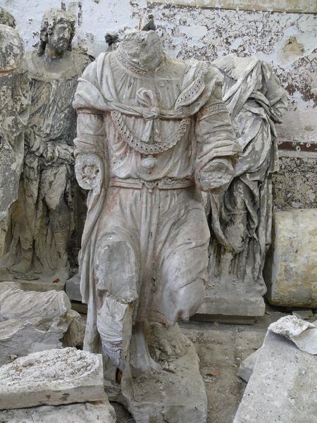 Statue (fragment d'une mise au tombeau): Nicodème ou Joseph d'Arimathie, vue générale