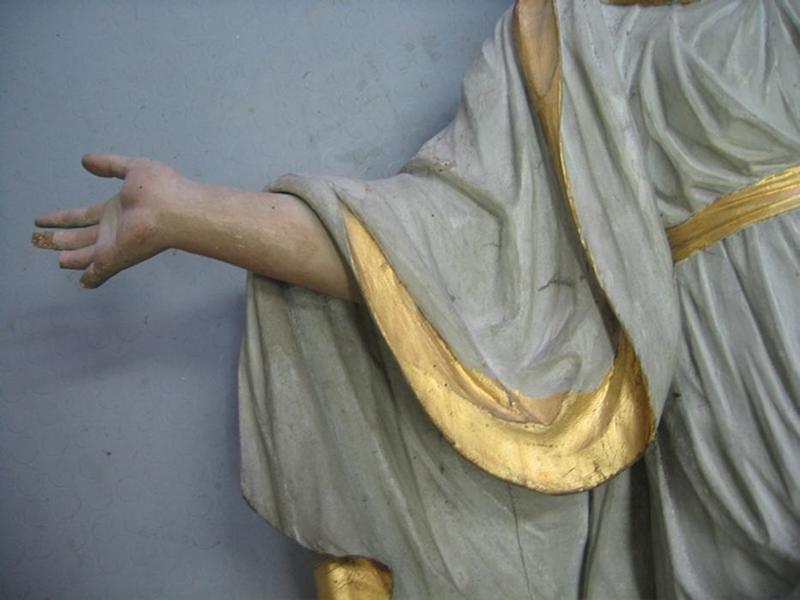 Statue : sainte Barbe, détail
