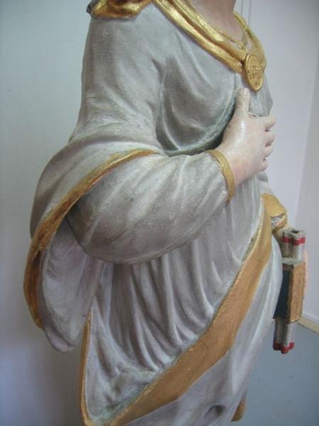 Statue: sainte Thérèse, détail