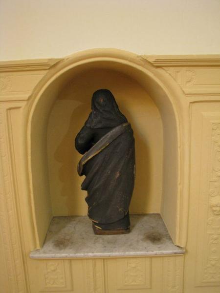 Statue : sainte au livre (sainte Anne ?), vue générale