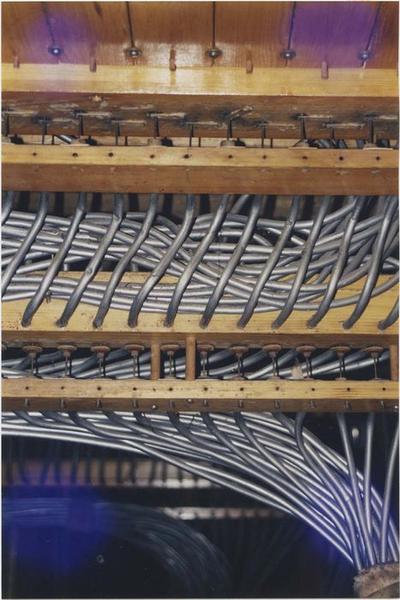 orgue de tribune, partie instrumentale, détail de la transmission pneumatique