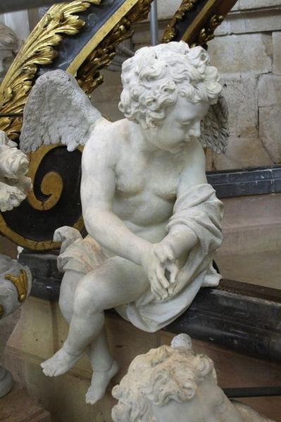 Baldaquin d'autel et groupe sculpté : la Visitation, détail