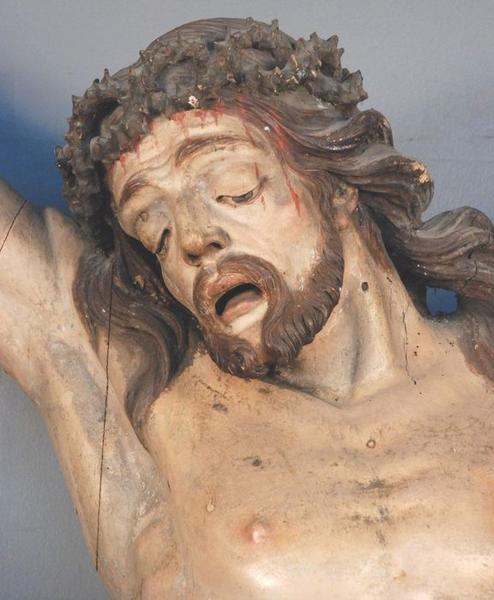 Statue: christ en croix, détail
