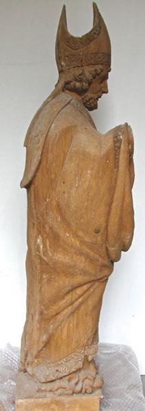 Statue: saint Eloi, vue générale, profil droit