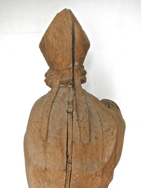 Statue: saint Eloi, vue partielle du revers